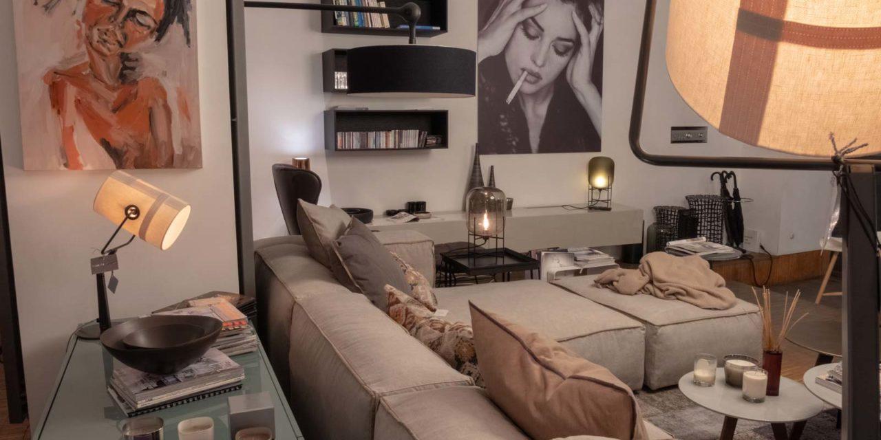 sofa-taupe-livingroom-bookshelf